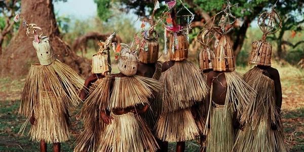Rejoins-nous pour une initiation rituelle imminente!
